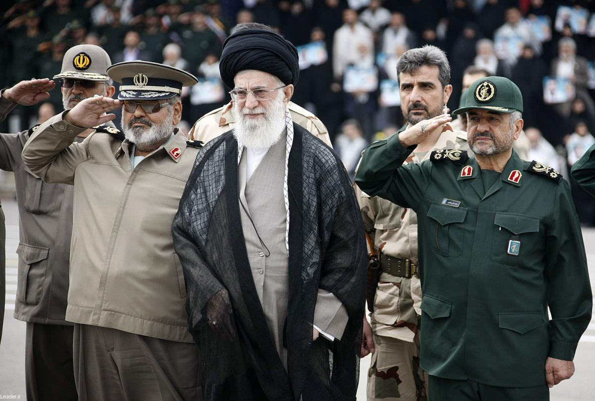 Khamenei with military leaders